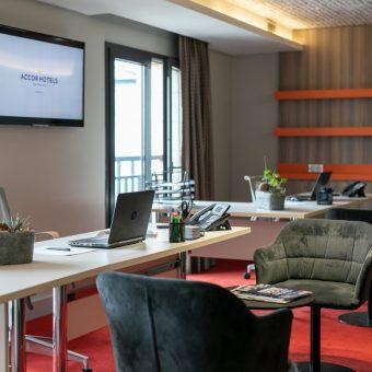 novotel-istanbul-bosphorus-office-service